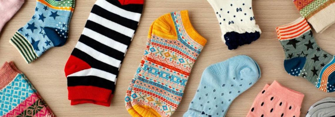 chaussettes et chaussons pour enfants