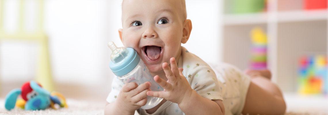 Choisir une eau pour l'alimentation des bébés
