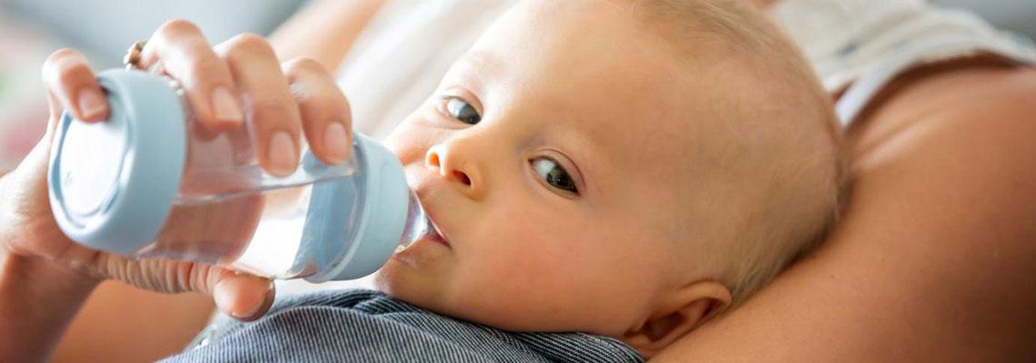 Eau pour bébé constipé